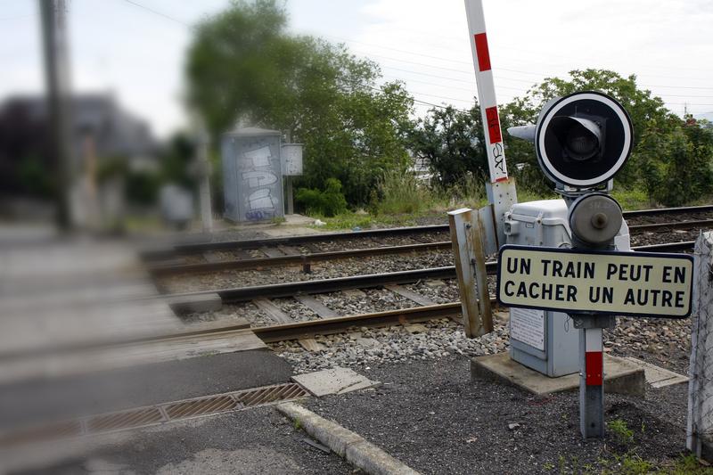 SNCF - Ne risquez pas votre vie aux passages à niveau